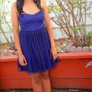 Dresses & Skirts - Blue prom/homecoming dress